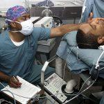 全身麻酔から目覚めた患者に、医者が最初に確認するのは腸の動きだった?